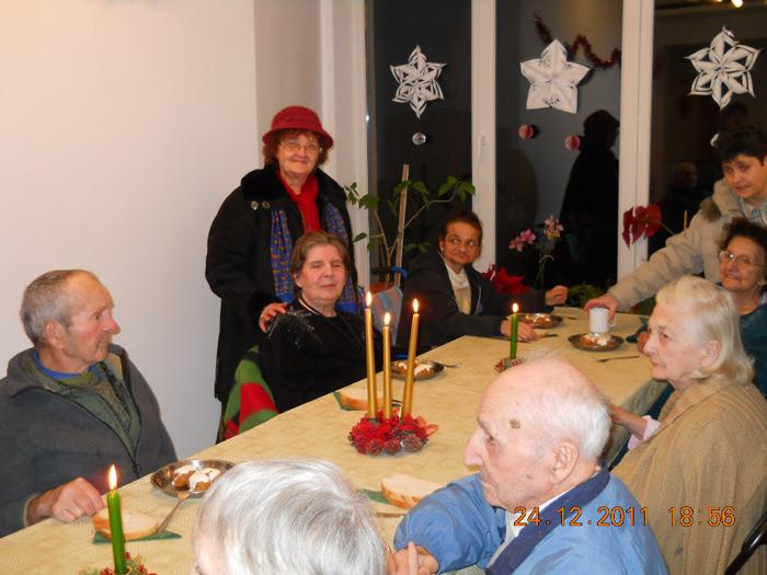 masa de Craciun la Caminul pentru Seniori Fileo